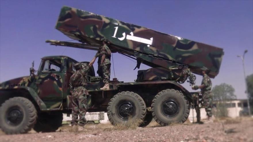 Yemeníes lanzan misil balístico contra campo militar saudí en Asir