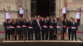 Los peruanos respaldan reformas del presidente Vizcarra