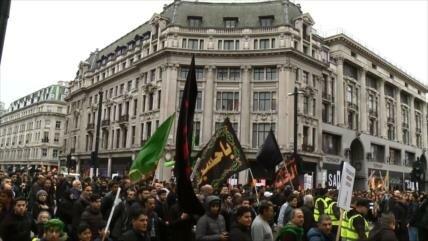 Miles de fieles marchan en el día de Ashura en Londres