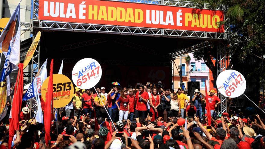 Fernando Haddad recibe apoyo multitudinario en Recife (Brasil)