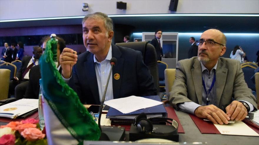Irán tacha de 'descaro' llamado de Trump a aumentar producción petrolea