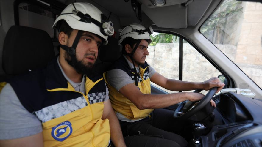 Reino Unido comienza a alojar a cascos blancos huidos de Siria
