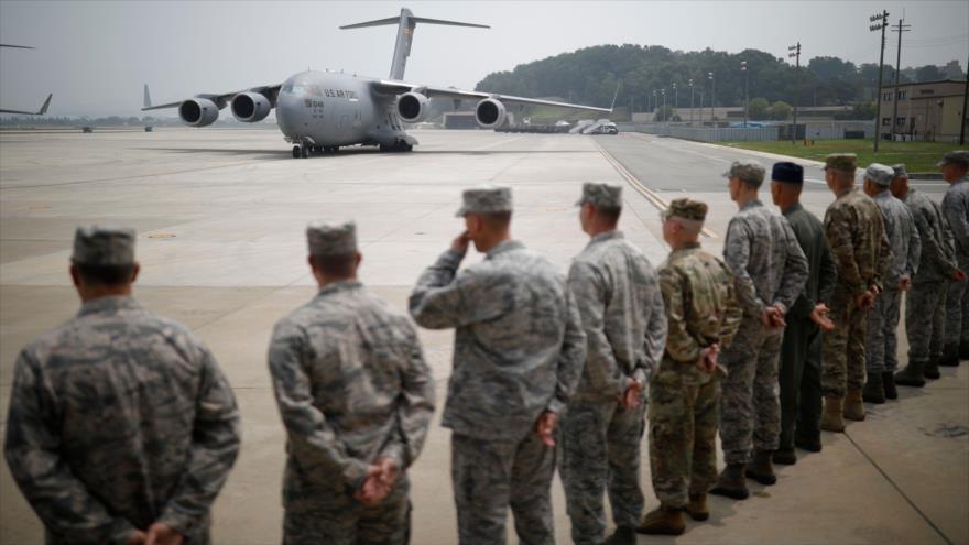 Moon aboga por presencia prolongada de tropas de EEUU en Corea