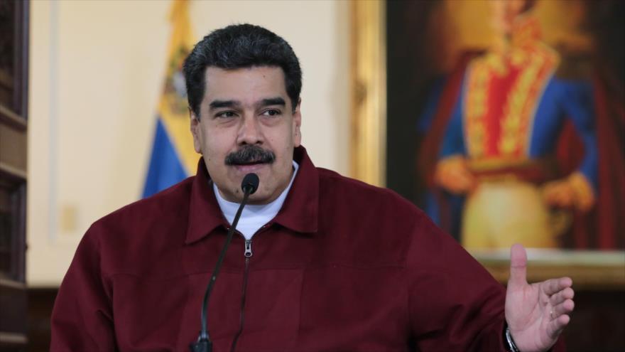 El presidente venezolano, Nicolás Maduro, habla durante la transmisión de un programa de televisión, 24 de septiembre de 2018. (Foto: AFP)