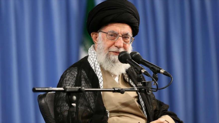 Líder iraní: Occidente equipó a Irak de Sadam con armas químicas | HISPANTV