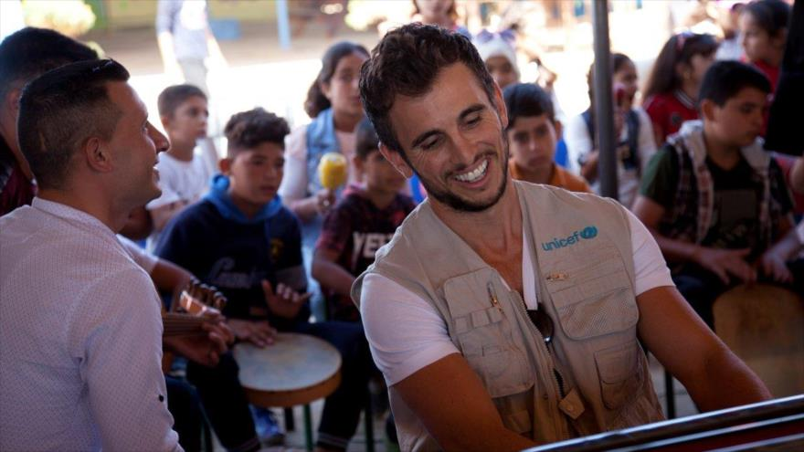 Famoso pianista lanza musicoterapia para refugiados sirios en Jordania