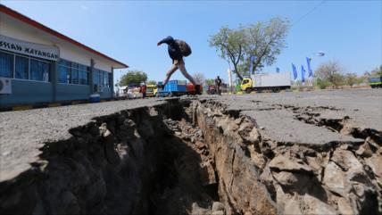 Terremoto de 7,5 en la escala de Richter sacude Indonesia