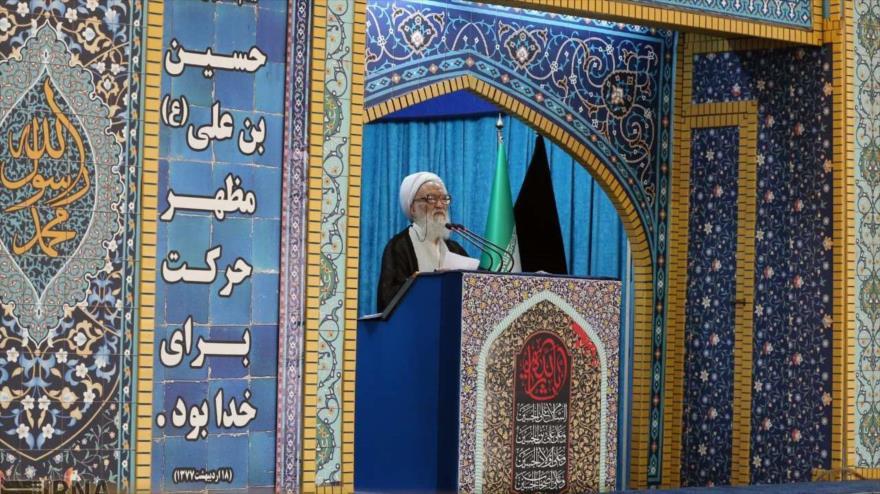 El ayatolá Mohamad Ali Movahedi Kermani, ofrece el sermón del rezo del viernes de Teherán (capital de Irán), 28 de septiembre de 2018. (Foto:IRNA)