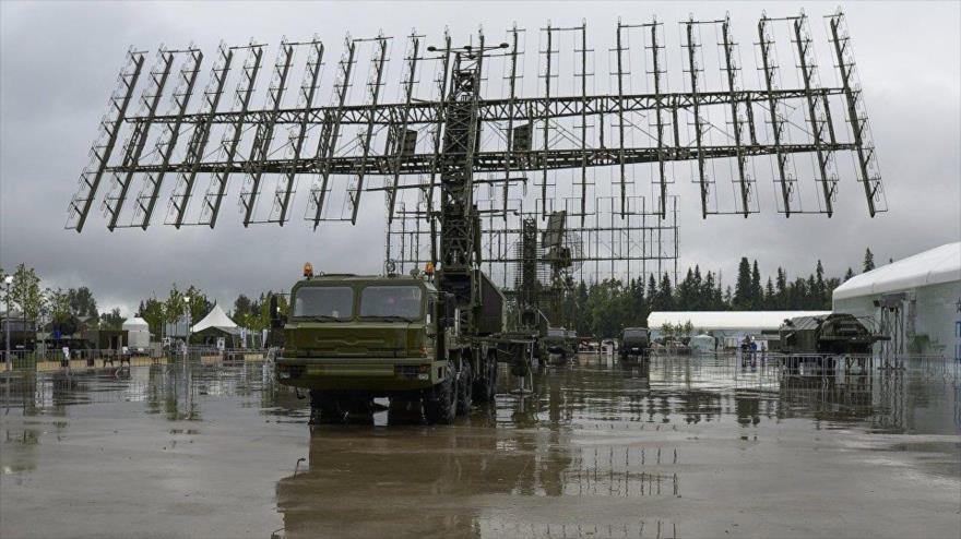 Radar Nebo-M, de fabricación rusa, es capaz de localizar misiles hipersónicos.