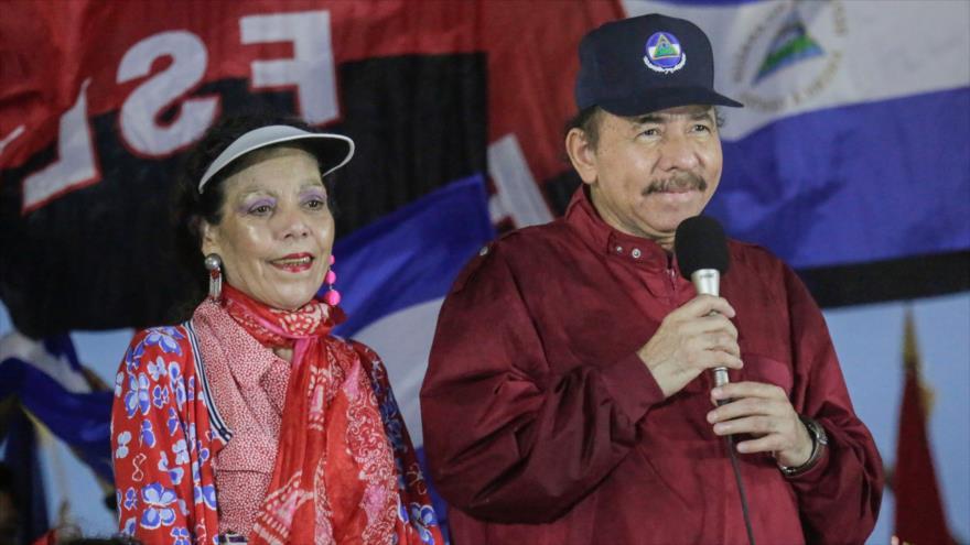 El presidente de Nicaragua, Daniel Ortega, junto a su esposa y vicepresidenta, Rosario Murillo, 29 de septiembre de 2018. (Foto: AFP).