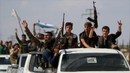 Primer grupo armado se retira de la zona desmilitarizada en Idlib
