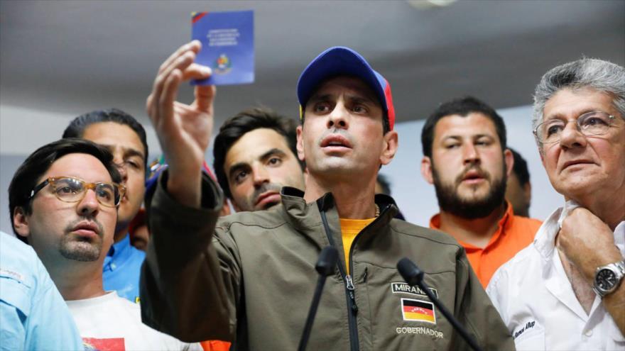 Los líderes opositores de Venezuela y el exgobernador del estado de Miranda, Henrique Capriles, en Caracas, 6 de abril de 2017. (Foto: Reuters)
