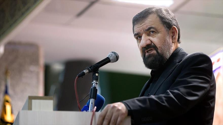 El secretario del Consejo de Discernimiento del Sistema de la República Islámica de Irán, Mohsen Rezai, en un acto público.