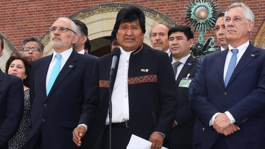 """Morales reacciona a fallo de La Haya: Bolivia """"nunca renunciará"""""""