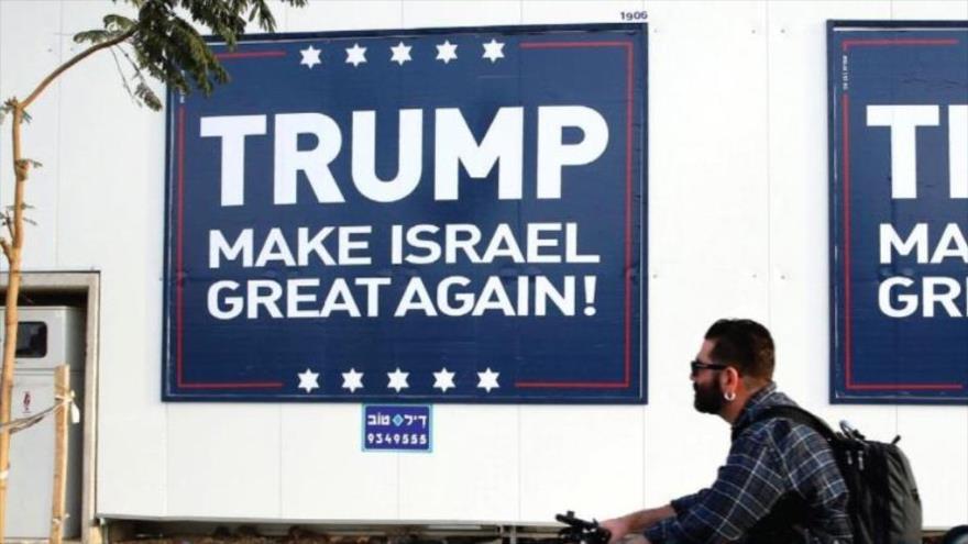 Una cartelera en Jerusalén en apoyo al presidente estadounidense, Donald Trump.