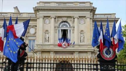 Francia congela los activos bancarios de dos ciudadanos iraníes