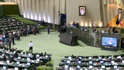 Parlamento de Irán aborda ataque terrorista en Ahvaz