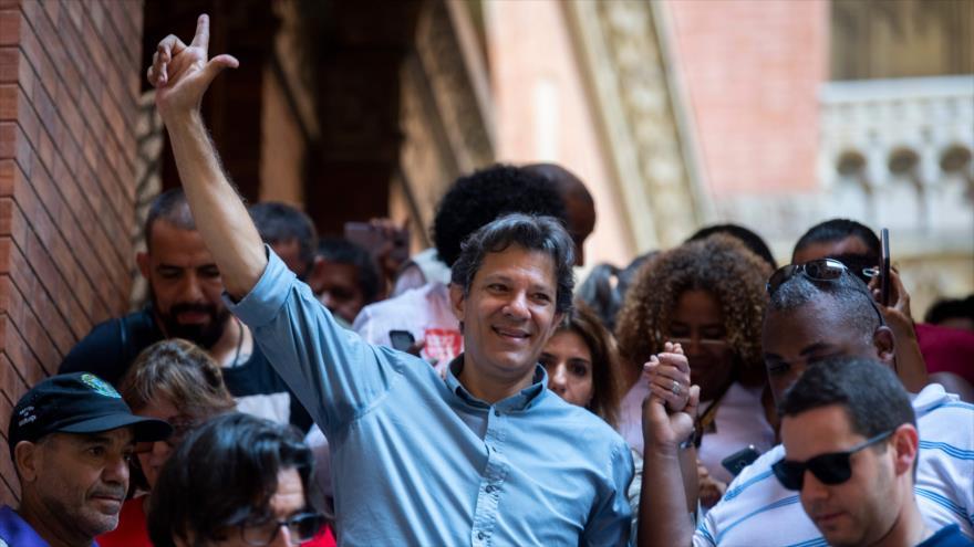 Haddad tilda a Bolsonaro de 'amenaza a la democracia' en Brasil