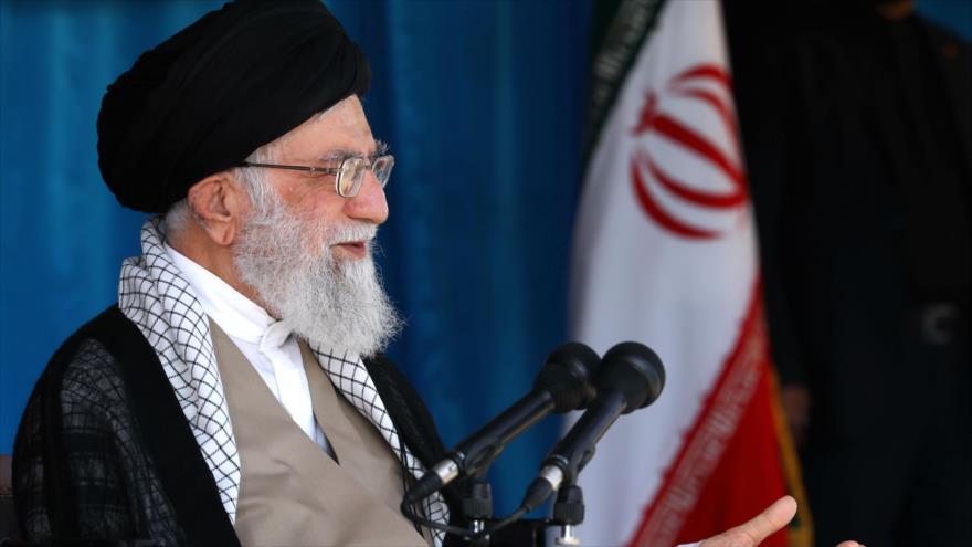 Líder de irán llamó a resistencia ante complots de enemigos