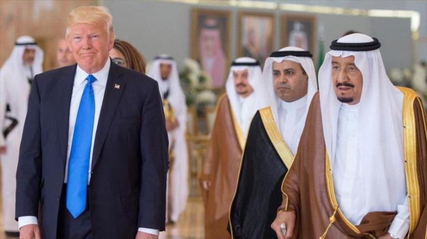 El presidente de Estados Unidos, Donald Trump, junto al rey de Arabia Saudí, Salman bin Abdulaziz Al Saud, 20 de mayo de 2017.