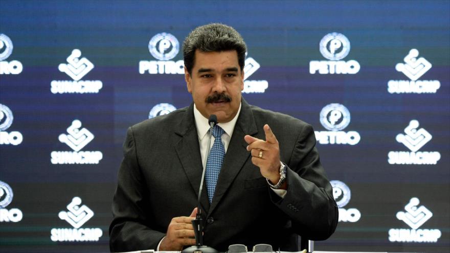 El presidente de Venezuela, Nicolás Maduro, da un discurso en Caracas, 1 de octubre de 2018.