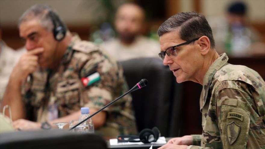 Jefe del Comando Central (Centcom) de EE.UU. en ciudad de Kuwait, Kuwait, 12 de septiembre de 2018. (Foto: AFP)