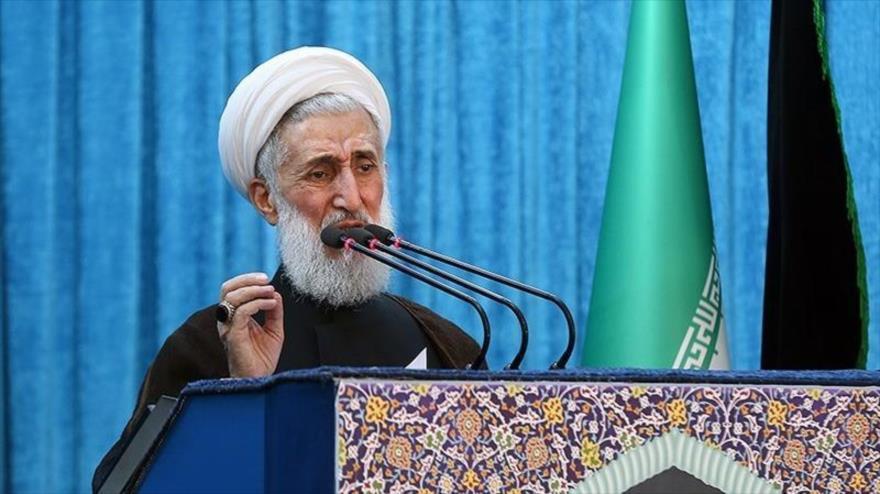 El hoyatolislam Kazem Sediqi ofrece un sermón del rezo del viernes en Teherán, capital de Irán, 5 de octubre de 2018. (Foto: Tasnim)