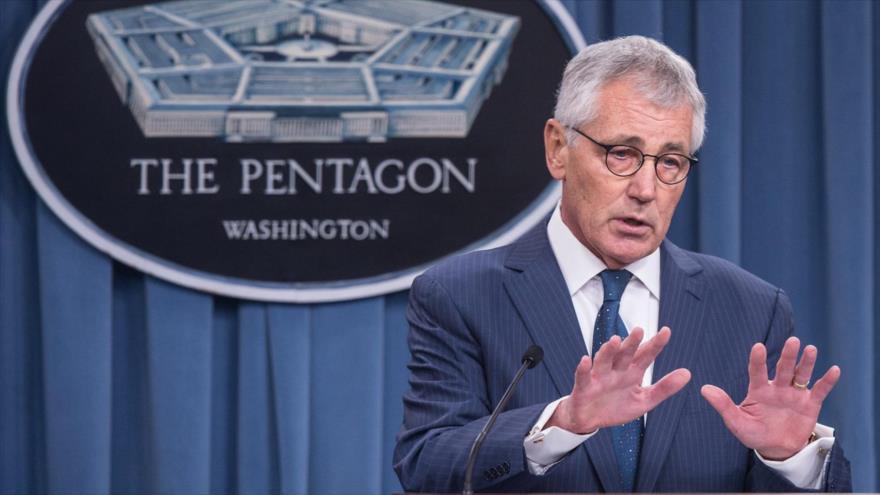 El entonces secretario de Defensa de EE.UU., Chuck Hagel, habla ante la prensa en el Pentágono en Washington, 22 de enero de 2015. (Foto: AFP)