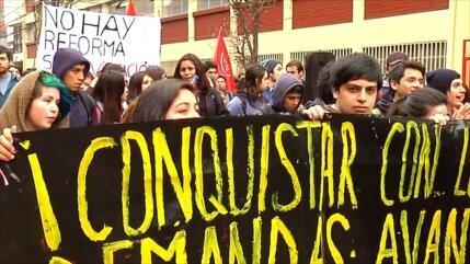 Alertan en Chile inconstitucionalidad de 'Aula Segura' de Piñera