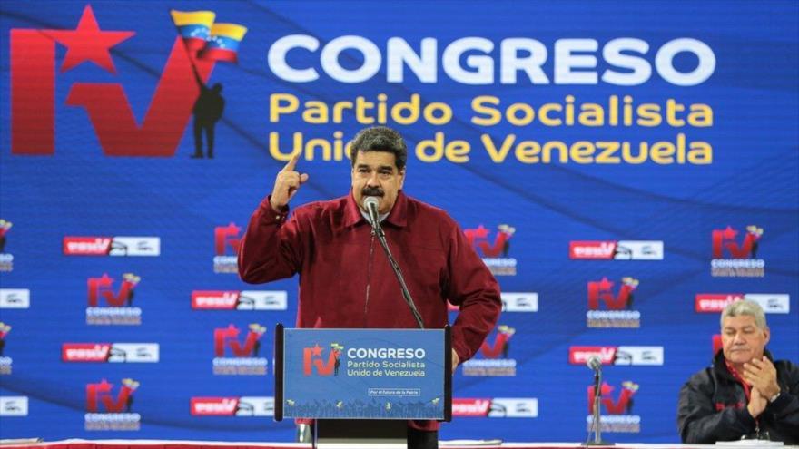 Maduro acusa a oposición de tener métodos terroristas y golpistas