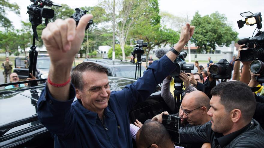 Candidato brasileño Bolsonaro tiene nexos con opositores de Morales