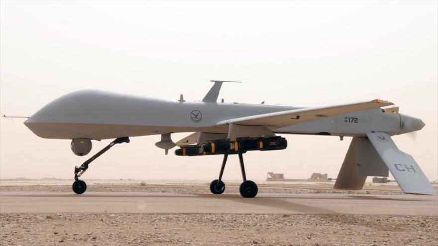 Un dron de la Fuerza Aérea de EE.UU. MQ-1 Predator armado con misiles.