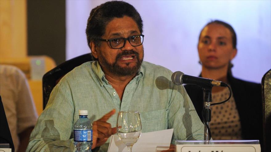 El exlíder guerrillero de las FARC Iván Márquez habla en una conferencia de prensa en La Habana (capital de Cuba).