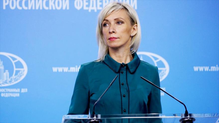 La portavoz de la Cancillería de Rusia, María Zajárova, en una rueda de prensa en Moscú (capital rusa), 4 de octubre de 2018. (Foto: mid.ru)