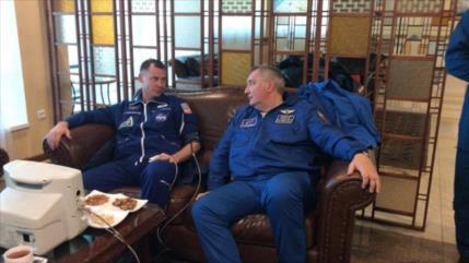Tripulantes de Soyuz aterrizan de emergencia tras fallo técnico
