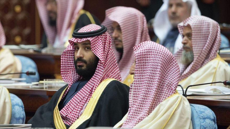 El príncipe heredero saudí Muhamed bin Salman asiste a una reunión del Consejo de la Shura (Parlamento saudí) en Riad.