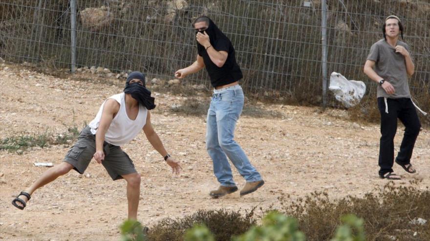 Colonos israelíes apedrean y matan a una mujer palestina en Cisjordania