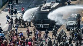Reprimen protesta de chilenos por violencia contra mapuches