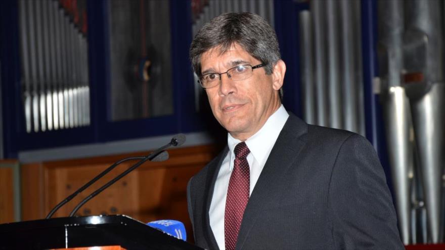 El director general para EE.UU. de la Cancillería de Cuba, Carlos Fernández de Cossío.
