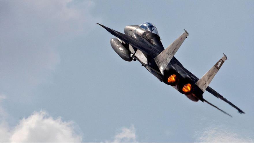 Un caza F-15 perteneciente al régimen isrealí en pleno vuelo.