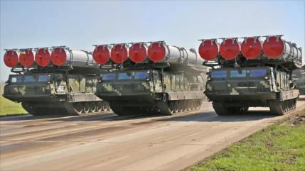 Delegación de EEUU e Israel entrenan en Ucrania con S-300 ruso