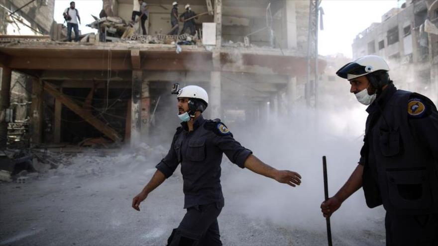 Unos 300 cascos blancos abandonan Jordania rumbo a Occidente