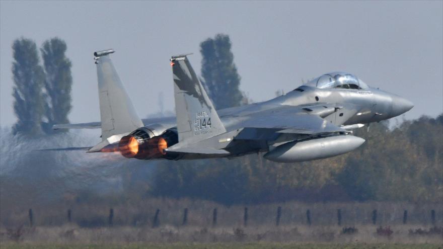 Cazas de EEUU bombardean 'por error' a fuerzas kurdas en Siria