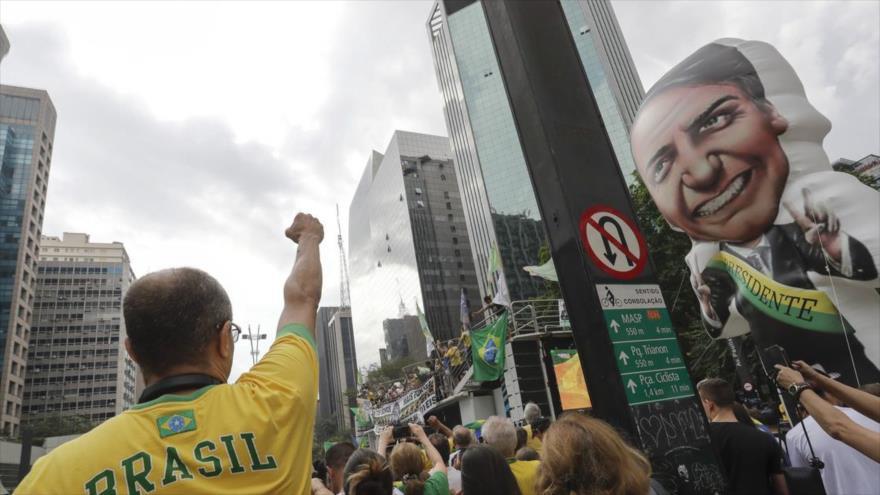 Investigan a Bolsonaro por difundir noticias falsas contra Haddad