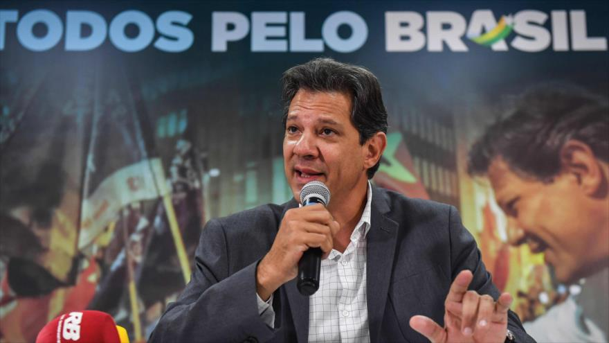 """Haddad denuncia """"complot"""" de Bolsonaro por bombardeo de noticias falsas"""