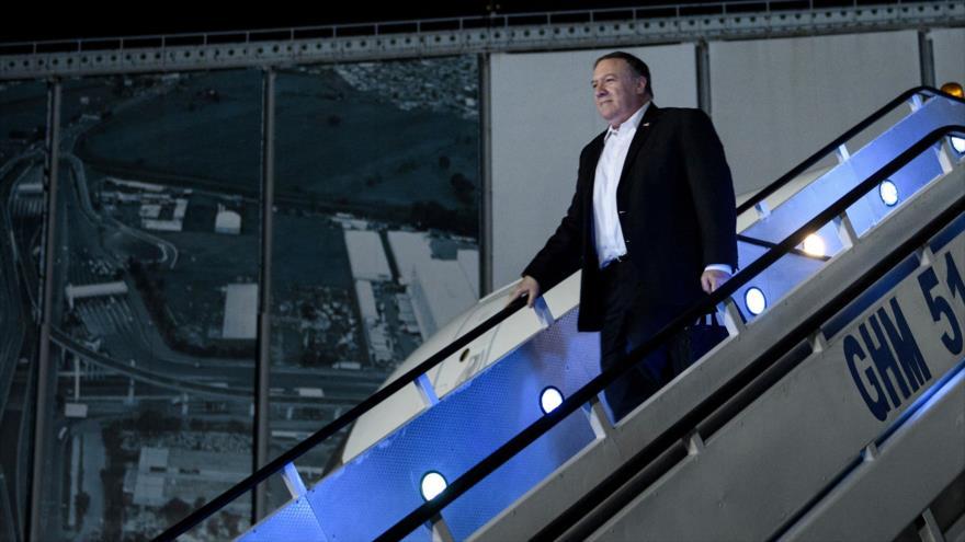 El Secretario de Estado de EE.UU., Mike Pompeo, llega al Aeropuerto Internacional de la Ciudad de México, 18 de octubre de 2018. (Foto: AFP)