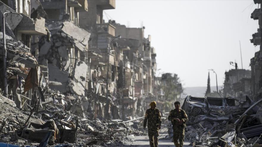 EIIL está presente en Al-Raqa, ocupada hace un año por aliados de EEUU