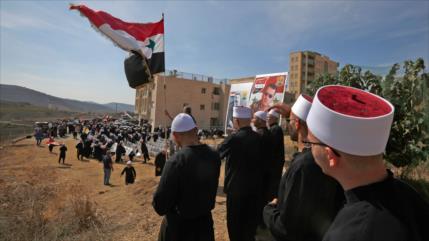 Sirios del Golán queman papeletas electorales israelíes