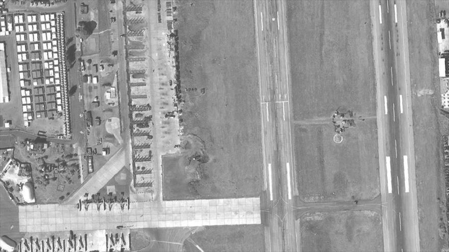 Rusia construye 18 refugios de aviones en base de Hmeimim (Siria)