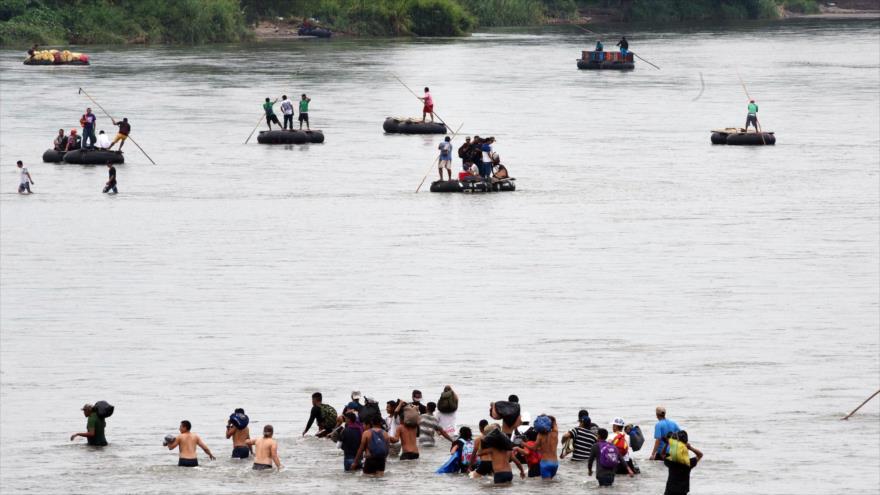 Caravana de migrantes en purgatorio de México